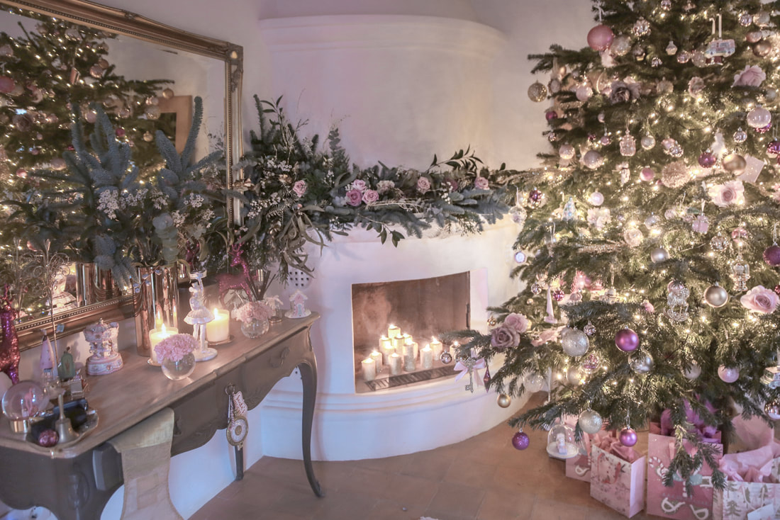 How I decorate for Christmas - Part two by The Belle Blog
