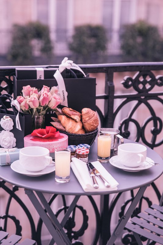 Birthday breakfast in Paris and a stroll around Le Marais in the 4th arrondissement of Paris by The Belle Blog
