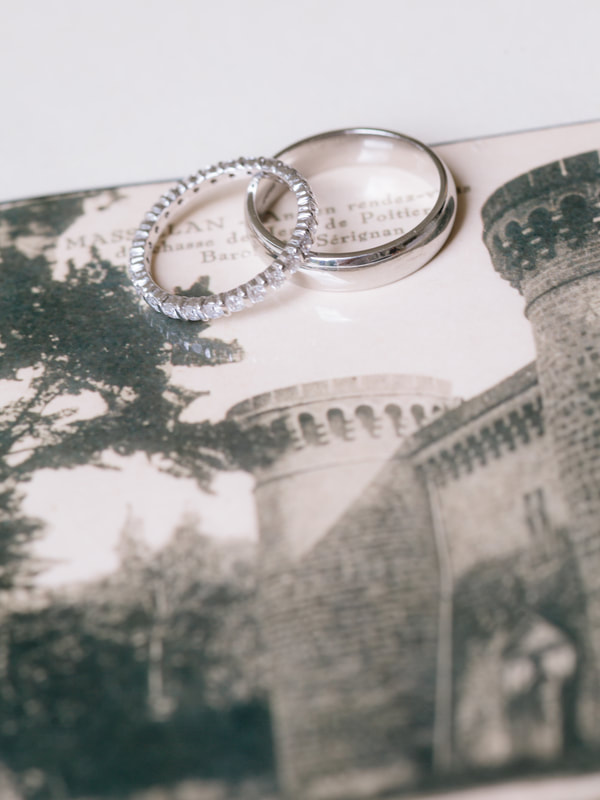 How To Have A Great Wedding On A Budget by The Belle Blog