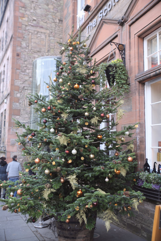 A Weekend of Christmas shopping and discovering the historic city of Edinburgh by The Belle Blog