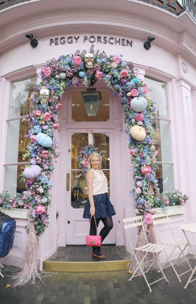 A pastel themed Halloween at Peggy Porschen, London by The Belle Blog