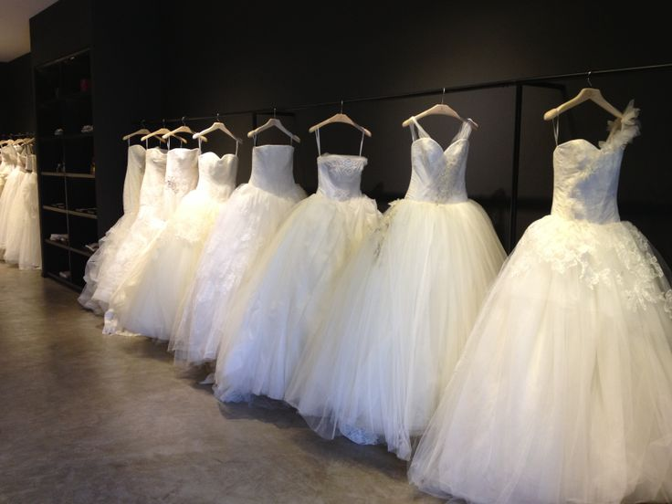 Feeling Confident When Choosing Your Wedding Dress